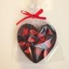 Kép 2/3 - Étcsokoládé szív eperrel szórva