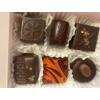 Kép 1/2 - 6 szem étcsokoládés bonbon díszdobozban